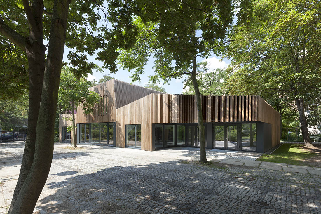Martin Schmitt Architektur: SPACES WITH ATMOSPHERE LIVING ENVIRONMENTS WORTH LIVING IN